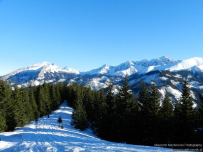 Widok spod szczytu Gęsiej Szyi na Tatry Bielskie i Wysokie