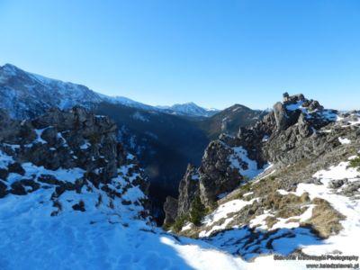 Widok z Sarniej Skały na Tatry Zachodnie