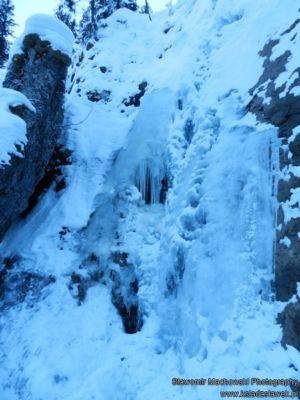 Zamarznięty wodospad Siklawica